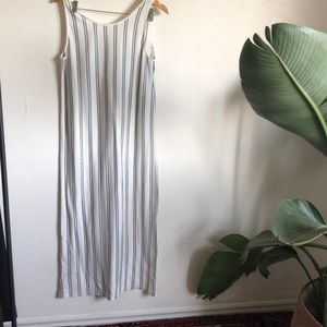 NWT Oak and Fort long maxi style dress- S